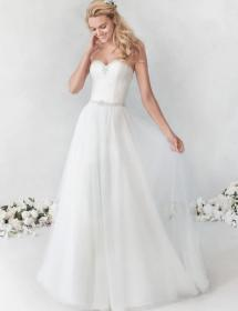 Women modeling MB Bride SKU 77047